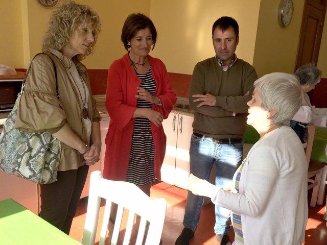 Eva Díaz Tezanos y Puerto Gallego visitan la Fundación Obra San Martín