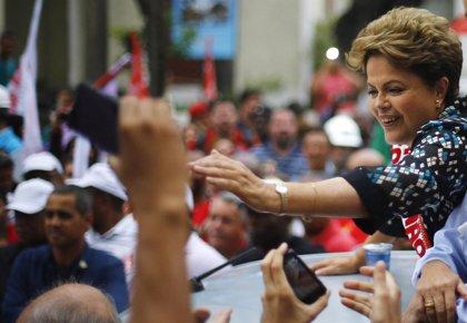 Dos sondeos dan una ligera ventaja a Rousseff para las presidenciales