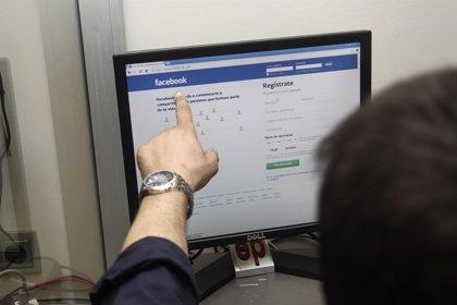 Facebook, una red social 'peligrosa' para las parejas celosas e inseguras