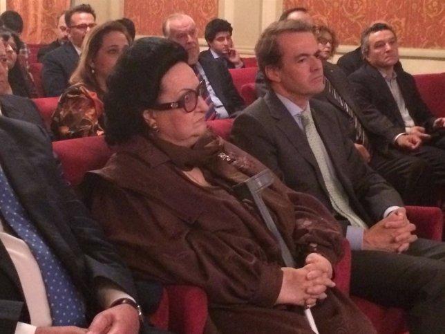 La soprano Montserrat Caballé antes de recibir el premio