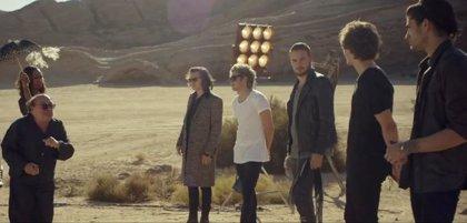 One Direction estrenan videoclip con Danny DeVito