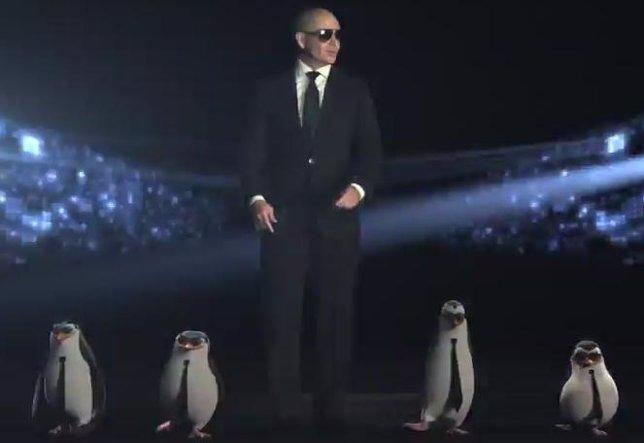 Pitbull y los pingüinos de Madagascar