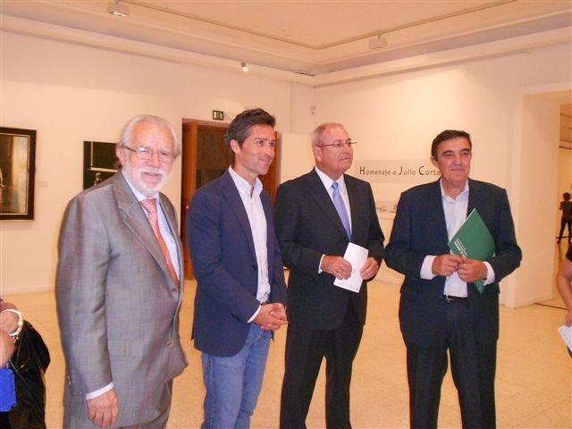 Apertura de una exposición sobre Julio Cortázar.