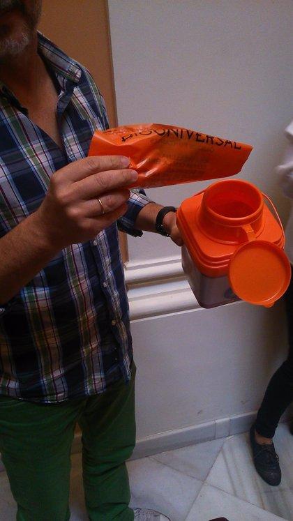 Sevilla empieza a sancionar la extracción de residuos de contenedores de basura