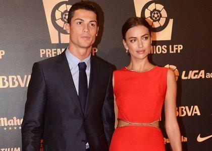 Cristiano Ronaldo e Irina Shayk deslumbran en el duelo de parejas de la Gala LFP