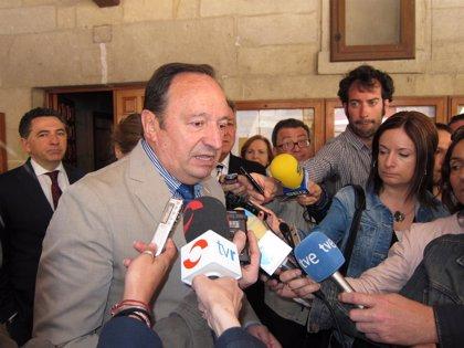 """Sanz aboga por hacer """"autocrítica"""" en los partidos, aunque recuerda que """"los delitos los cometen las personas"""""""