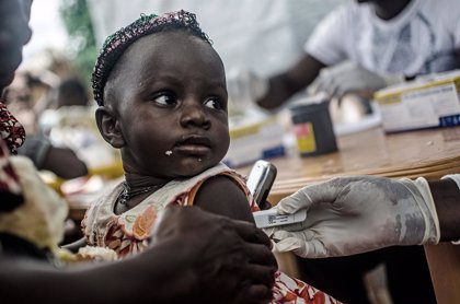 La OMS informa de 82 personas en observación en Malí por su contacto con el primer caso de ébola