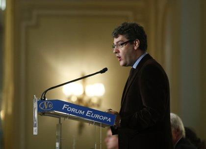 """Economía.- Álvaro Nadal tacha de """"pura demagogia"""" el programa económico de Podemos"""