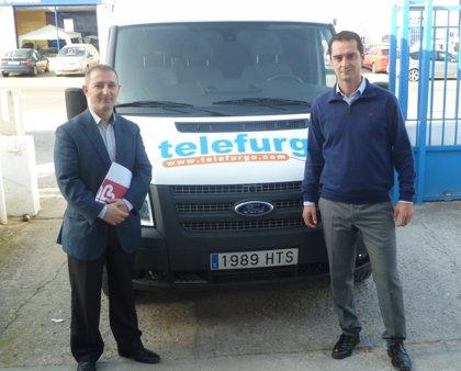 Cáritas Toledo realizará labores de recogida de ropa usada con una furgoneta cedida por Telefurgo durante un día