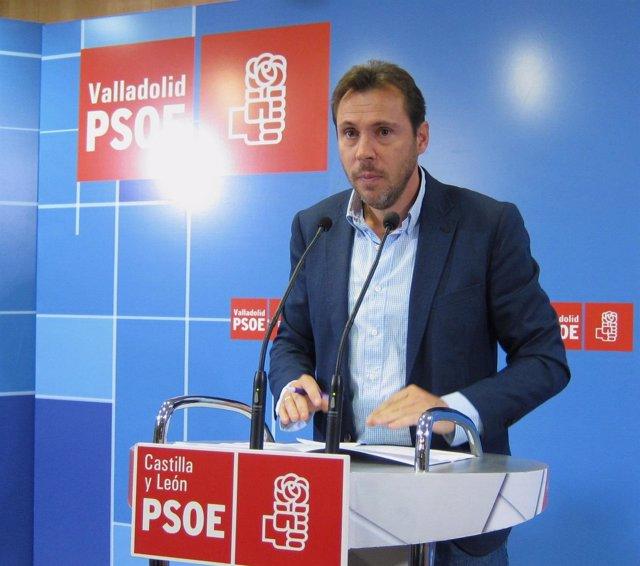 El presidente del Grupo Municipal Socialista de Valladolid, Óscar Puente