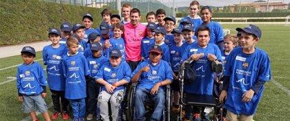 Leo Messi cumple el sueño de 30 niños enfermos que deseaban conocerle