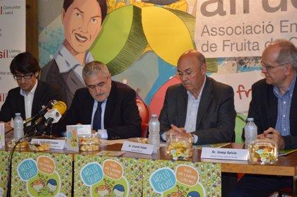 Afrucat y Salud impulsan la venta de fruta en fruterías cercanas a colegios de Lleida