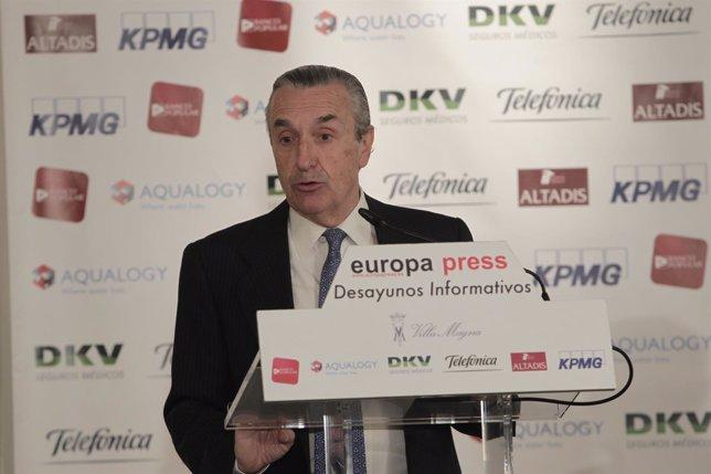 El presidente de la CNMC, José María Marín Quemada, desayuno Europa Press