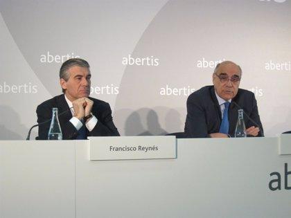 (Ampl.) Abertis gana un 4,6% más al consolidar Hispasat y mejorar el tráfico de las autopistas