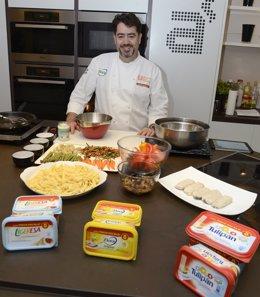 El cheff Javier Guerra en una demostración de cocina
