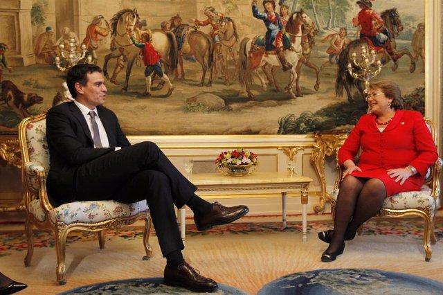 Pedro Sánchez y Michelle Bachelet se reúnen en El Pardo