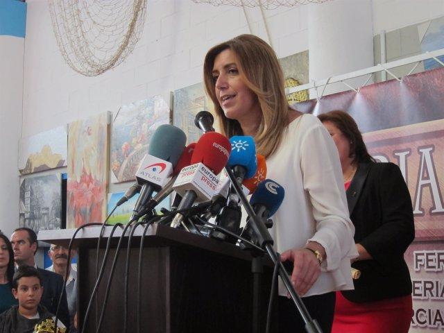 La presidenta de la Junta, Susana Díaz, en Niebla.