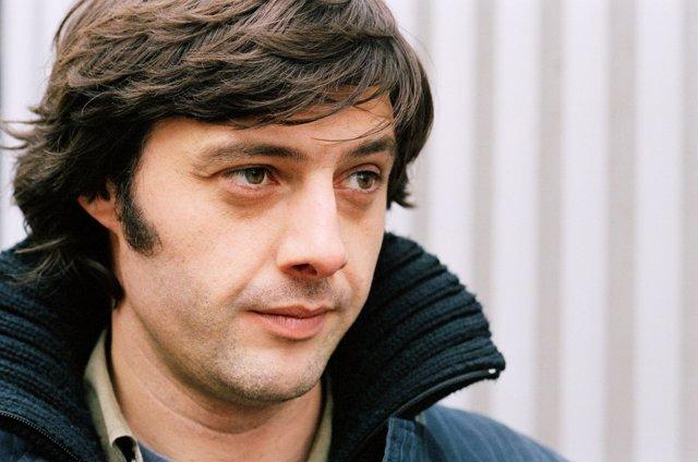 Andrés Barba, escritor en el ciclo Un café cargado de lecturas de diputación