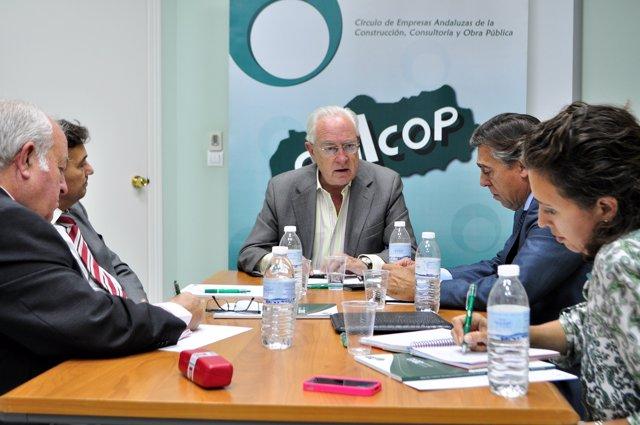 """Raynaud critica la """"falta de credibilidad"""" de presupuestos de Junta en fomento"""