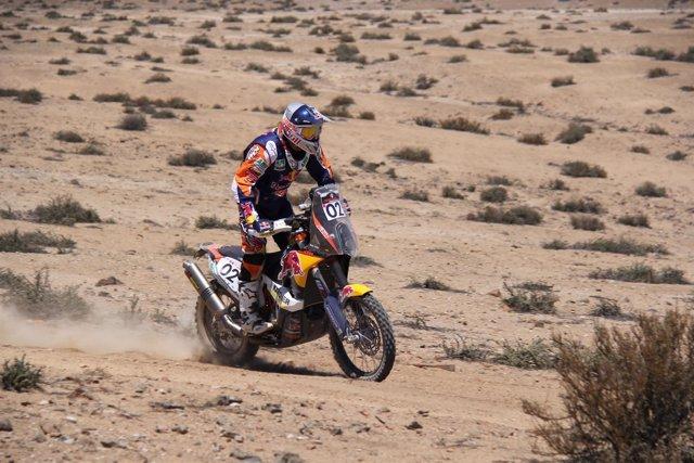Marc Coma y Joan Barreda recortan distancias con el líder en el Atacama Rally