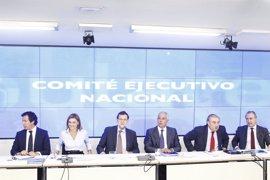 Cargos del PP aconsejan a Rajoy tomar medidas internas para recuperar el pulso del partido tras los últimos escándalos