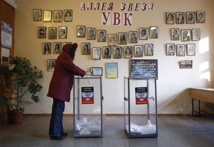 Normalidad en las primeras horas de votación en Donetsk y Lugansk, según observadores