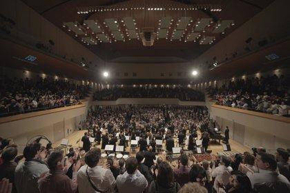 Unas 1.800 personas disfrutan en el Palau de la Música de la Film Symphony Orchestra