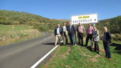 La Diputación de Palencia invierte 100.000 euros en la mejora del firme de la PP-2204, de Brañosera a Salcedillo