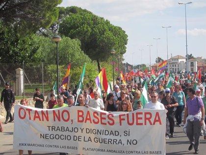 Alrededor de un millar de personas participan en la XXIX Marcha a Rota