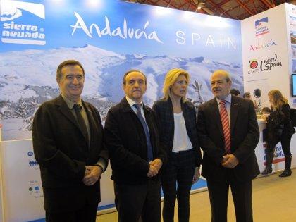 """Junta destaca la oferta """"global"""" de Andalucía, que incluye el turismo de nieve en Sierra Nevada"""