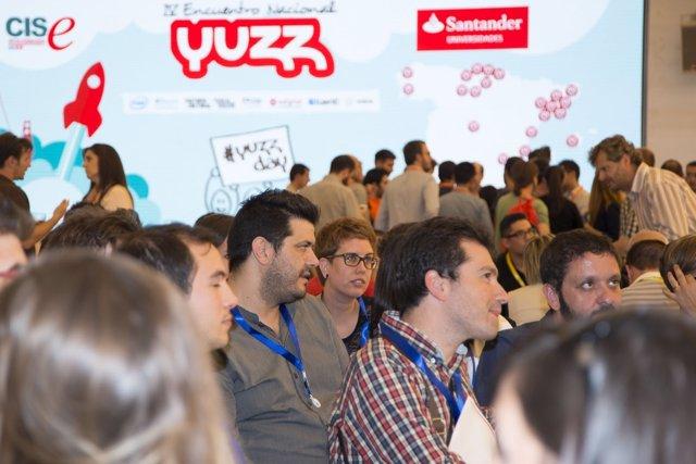 Jóvenes asistentes al vivero tecnológico YUZZ