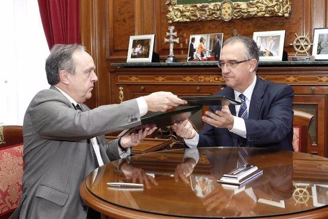 Convenio para la Oficina de Mediación Hipotecaria de Pamplona.