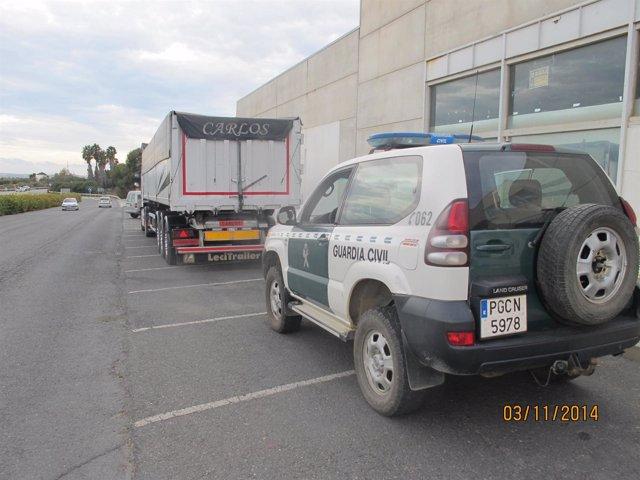 Cargamento de piña interceptado en Huelva.