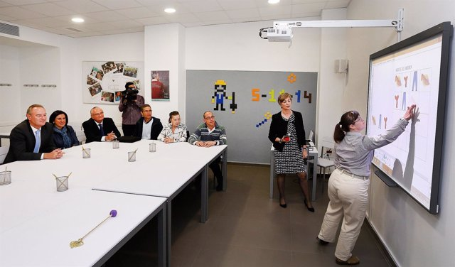 Fabra y Català en la inauguración de Fundación Cuadernos Rubio