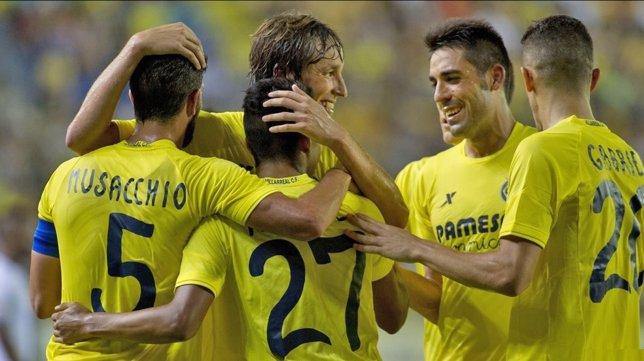 El Villarreal celebra el gol en la Europa League