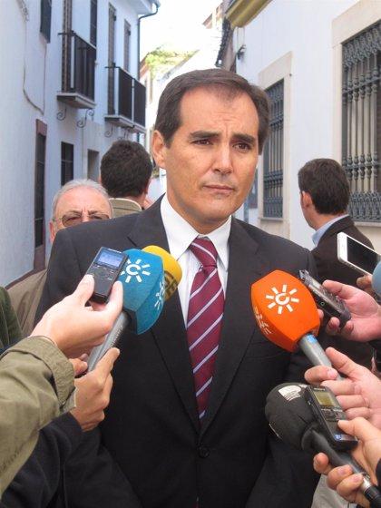 """Nieto recuerda a IU el cumplimiento de estatutos de Mercacórdoba que establecen """"con claridad"""" sus funciones"""