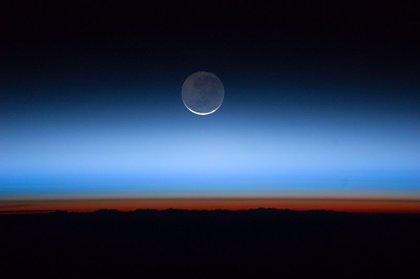 Aumenta el cloruro de hidrógeno atmosférico, que destruye la capa de ozono