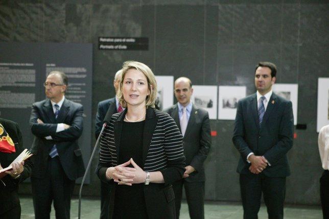 Inauguración de la exposición 'Con las víctimas de la guerra'.