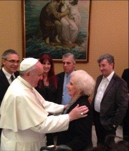El Papa con Estela de Carlotto