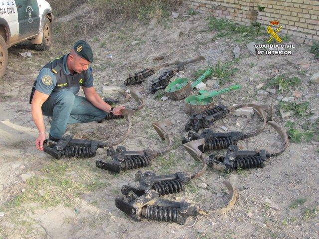 Dos detenidos por el robo de material agrícola