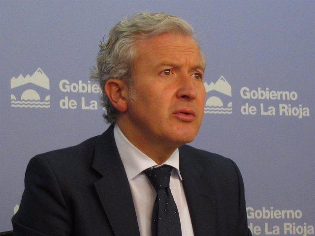 El portavoz del Gobierno riojano, Emilio del Río, informa Consejo del Gobierno