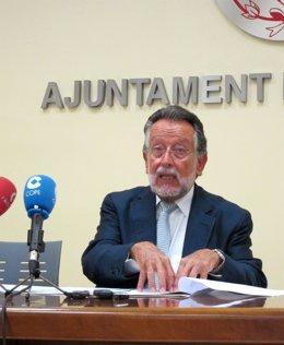 Alfonso Grau, En Rueda De Prensa.