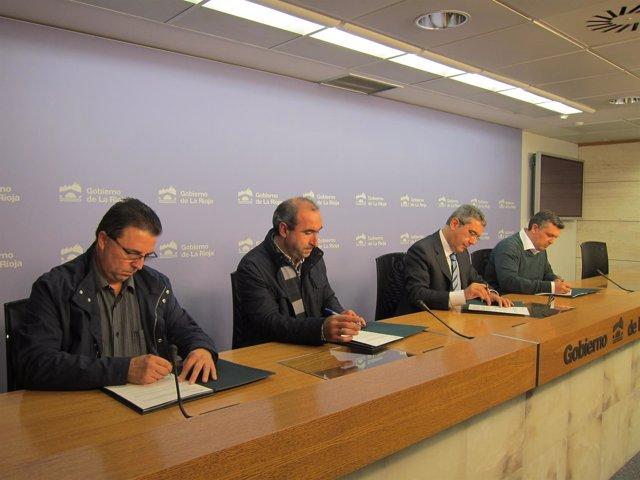 Burgos firma los convenios con los alcaldes de Fonzaleche, Grañón y Tudelilla