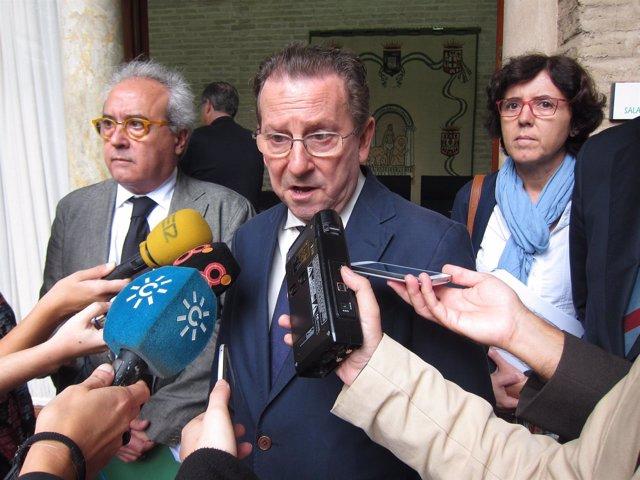 El consejero de Justicia, Emilio de Llera