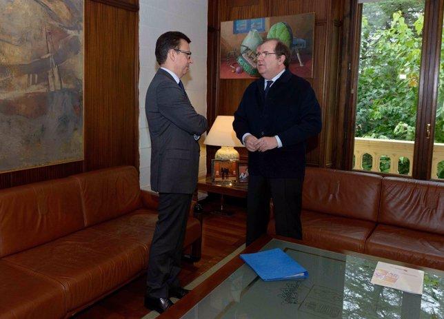 Herrera junto al presidente del BEI