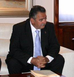 El Alcalde De Aledo, Simón Alcaraz