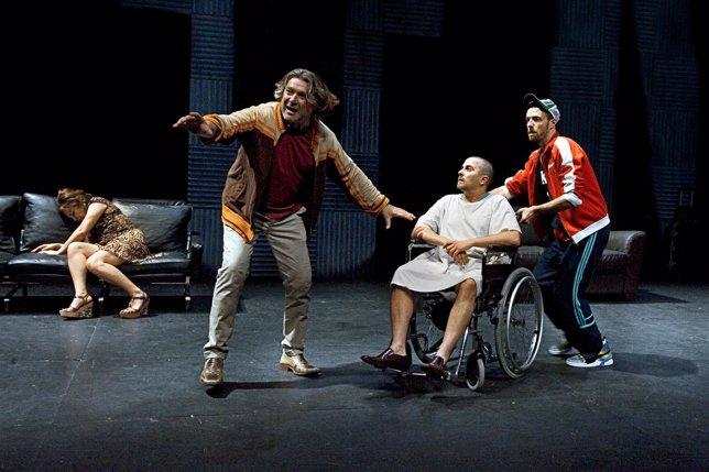 Escena de 'Krum', con Pere Arquillué como protagonista
