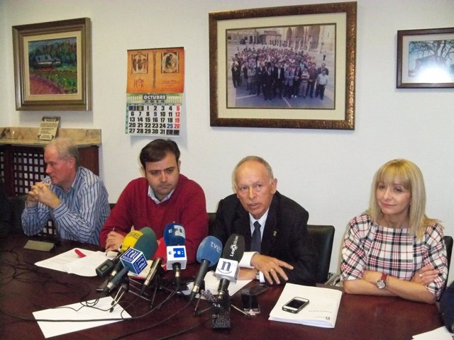 Luis Rodríguez Aller, (Segundo Drcha) Y Tino Rodríguez (Segundo Izq)