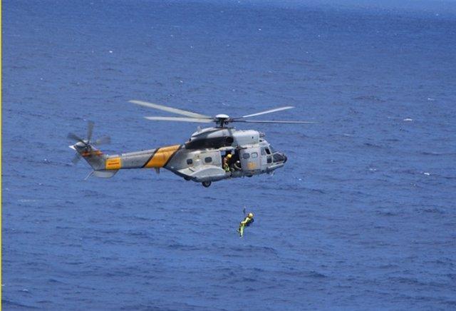 Helicóptero 'Super Puma' del Servicio de Búsqueda y Salvamento (SAR)