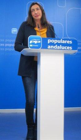 La secretaria general del PP-A, Dolores López Gabarro, en rueda de prensa